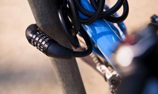 Antivol vélo accroché sécurité code