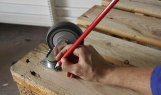 Mesure pour mettre des roues sur une table basse palettes