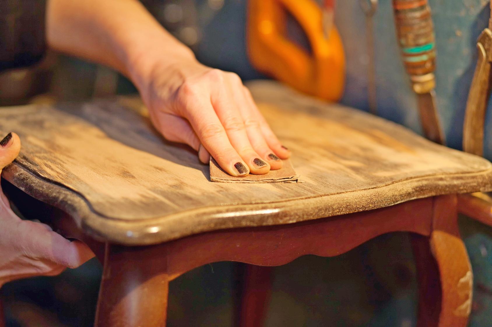 Comment Peindre Un Meuble En Bois comment peindre un meuble en bois facilement ? nos conseils
