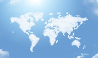 Map monde en nuage sur un ciel bleu éclairé
