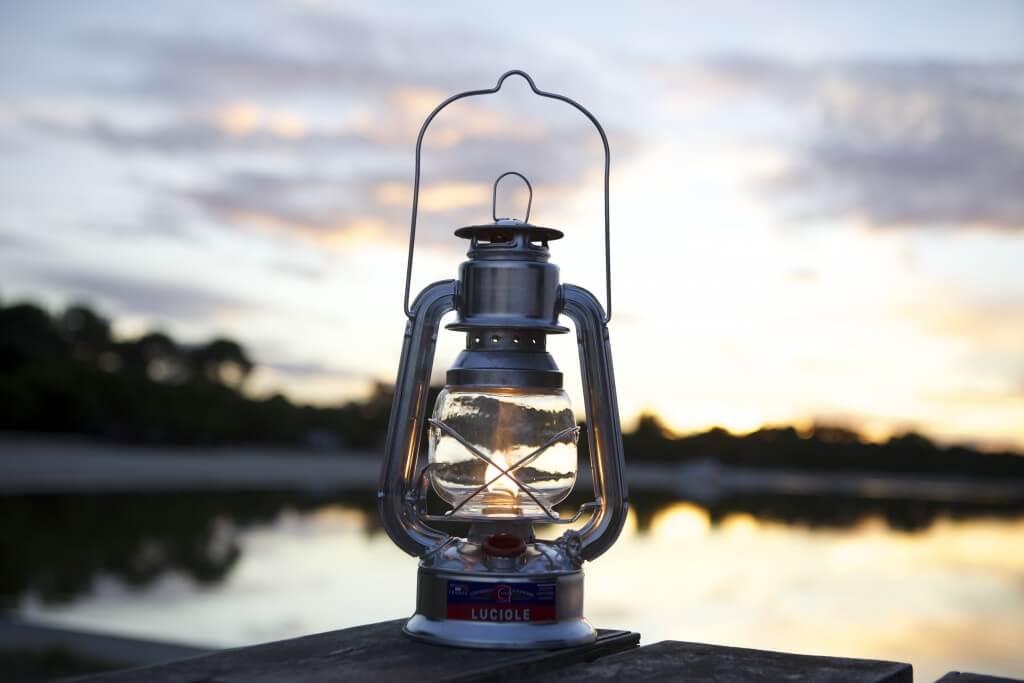 Comment changer une mèche de lampe à pétrole ?
