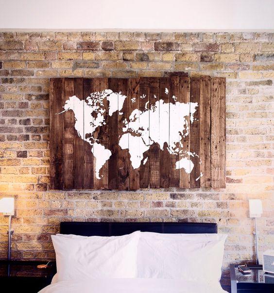 Meubles en palettes - Carte du monde