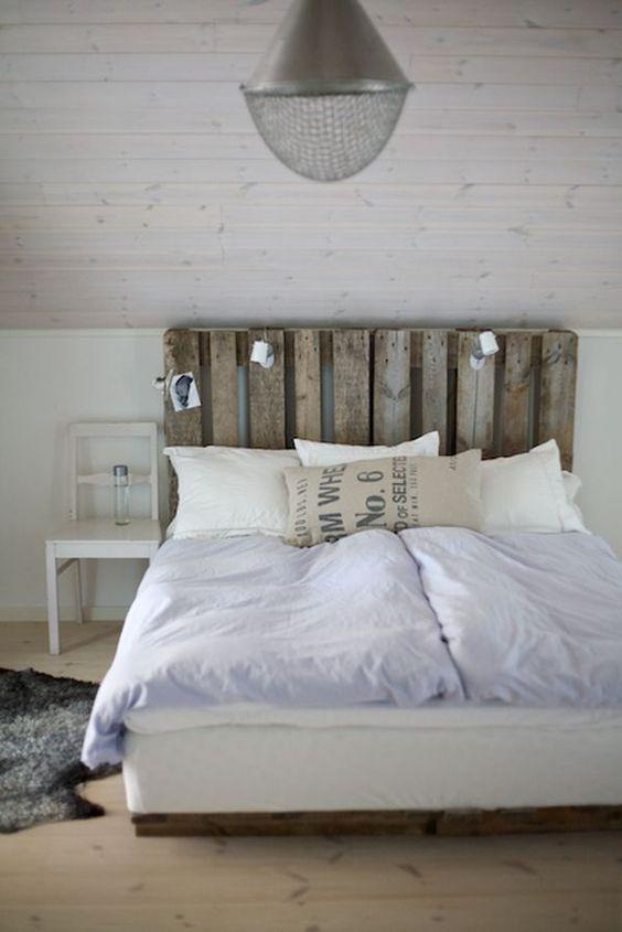 Meubles en palettes - La tête de lit