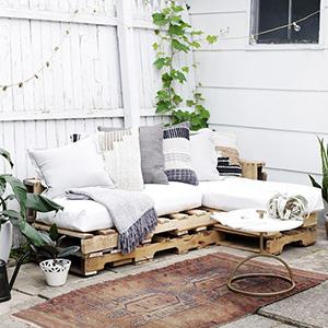 Comment faire un canapé en palettes ?