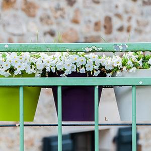 Comment choisir son support de jardinière, ses bacs, pots et balconnières ?