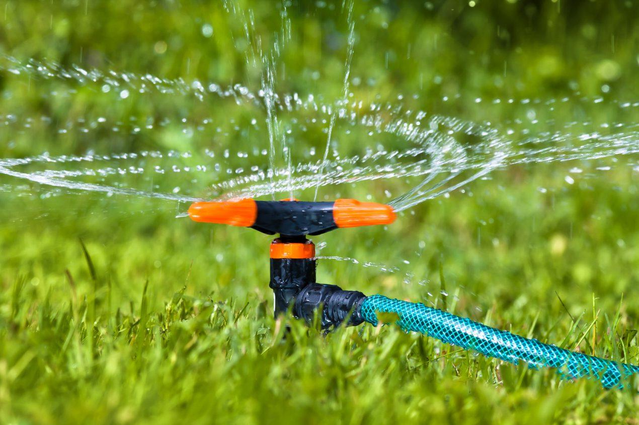 Installer une pompe de forage pour le jardin et la maison