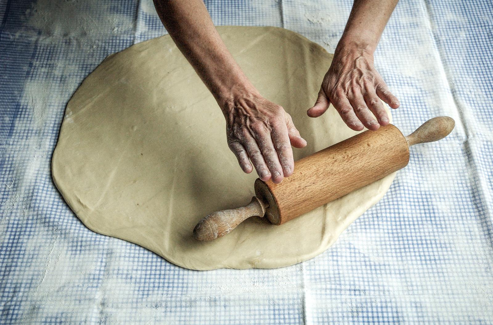 Faire sa pâte pour sa tarte au citron meringuée