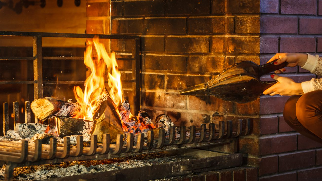 Quels accessoires de cheminée devons-nous choisir ?