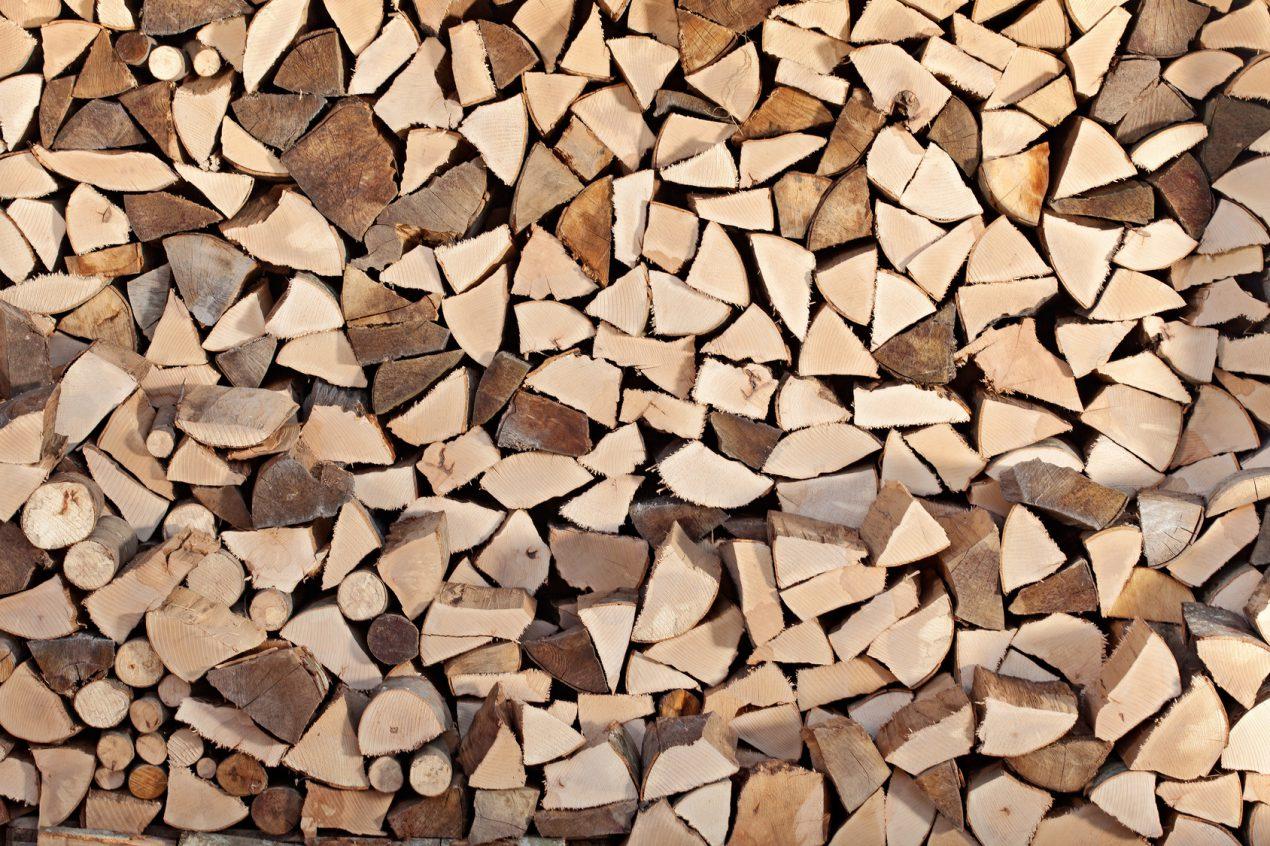 Fendre du bois avec Mon Magasin Général