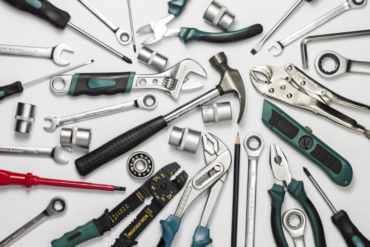 Quels outils à main pour le bricolage dois-je avoir ? Le Guide de Mon Magasin Général