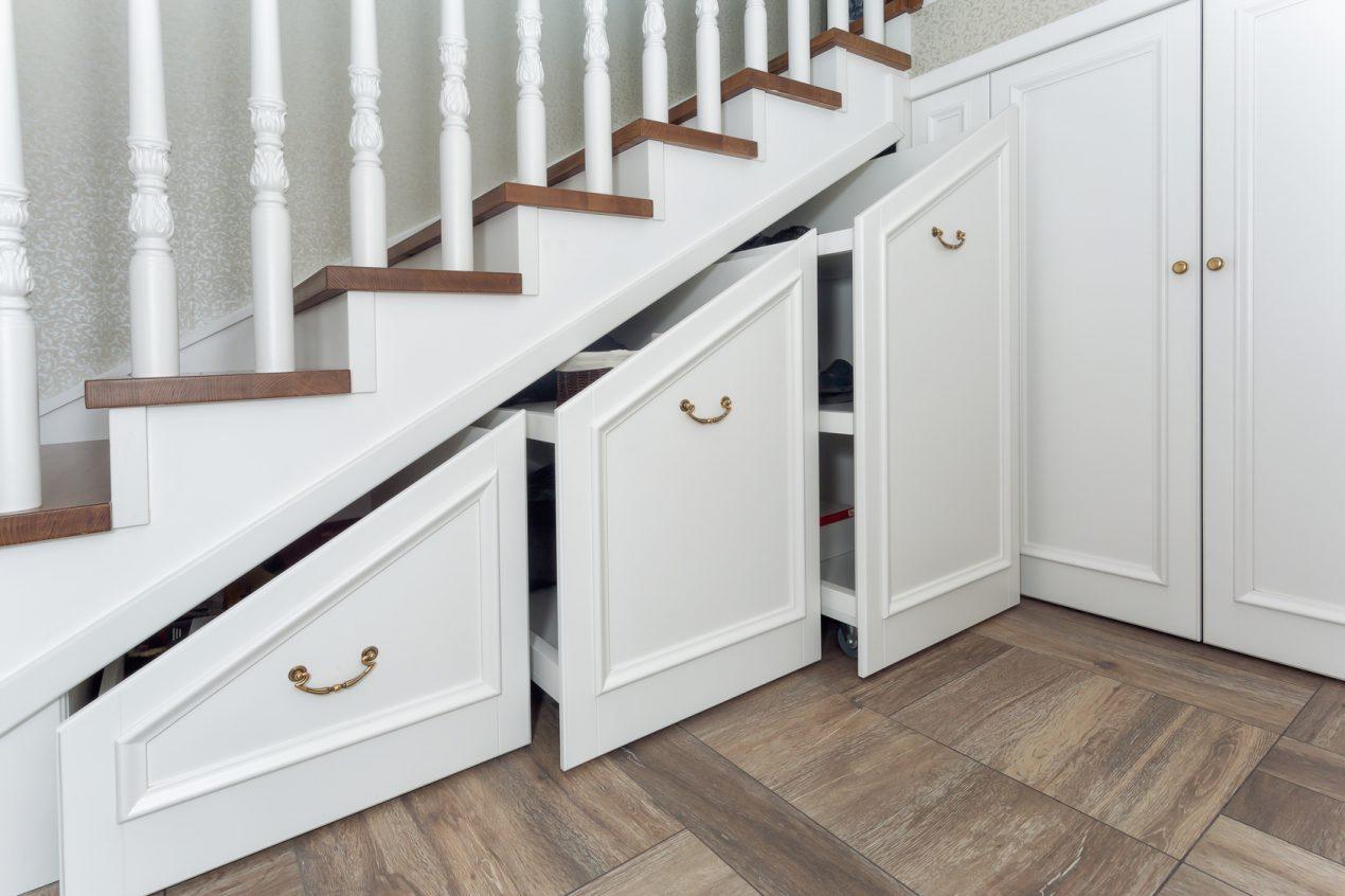 Aménager l'espace sous son escalier facilement